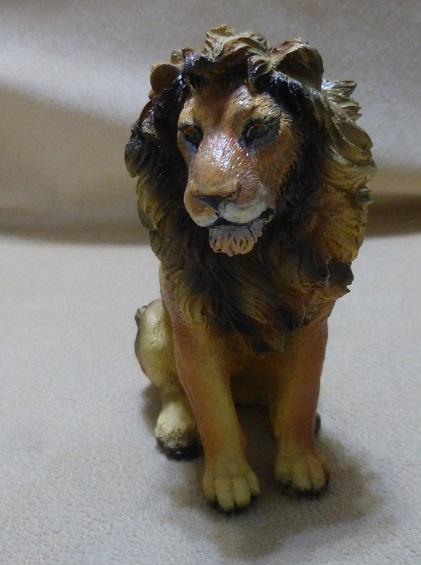 lion100_03a.jpg